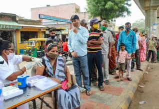 இந்தியாவில் இதுவரை 80 கோடி பேருக்கு தடுப்பூசி