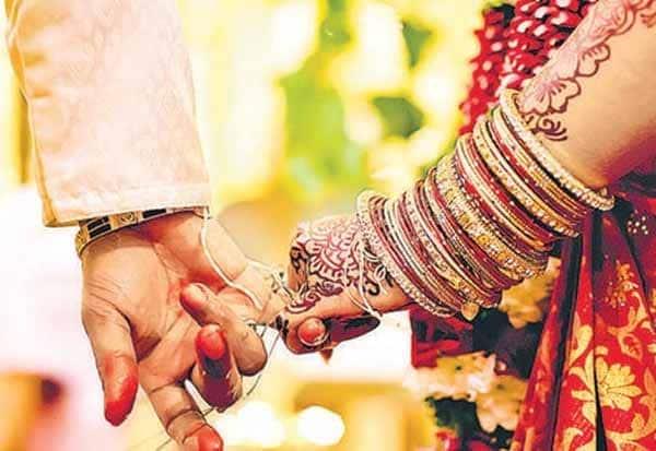 Signing Declaration, Against Dowry, Kerala University, Students, Calicut University, வரதட்சணை, பட்டம் ரத்து, கோழிக்கோடு பல்கலை,