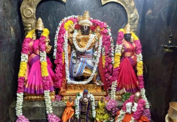 வேணுகோபால சுவாமிக்கு  சிறப்பு அலங்காரம்