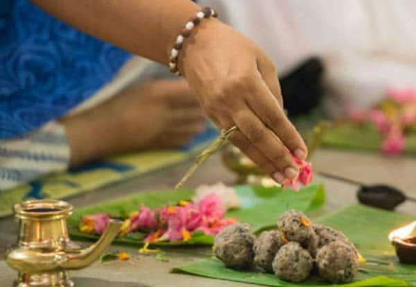 பித்ருக்களுக்கு தர்ப்பணம் தரும் மகாளய அமாவாசை நாள் இன்று!   ஸ்பெஷல்