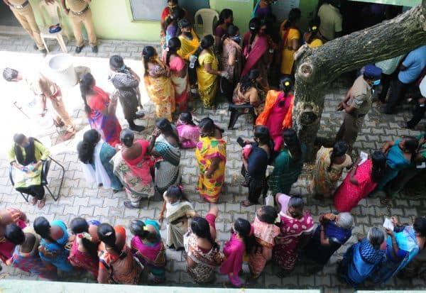 அடிதடி!  ரகளையுடன் முடிந்தது இரண்டாம் கட்ட தேர்தல்  புறநகர் ஊராட்சிகளில் ஓட்டு போட மக்கள் ஆர்வம்