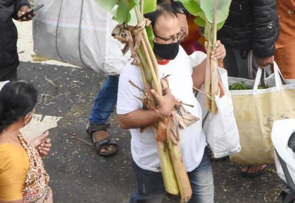பூஜைக்காக ...: பூசணிக்காய் வாழைக் கன்று