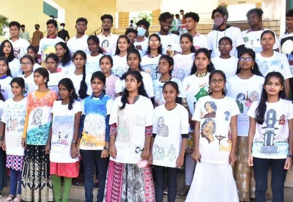 கலாம் பெருமை பேசும் 'டி-ஷர்ட்' கல்லுாரி மாணவர்கள் அசத்தல்