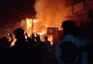 சங்கராபுரத்தில் பட்டாசு குடோனில் தீ : 10 பேர் உடல் ...