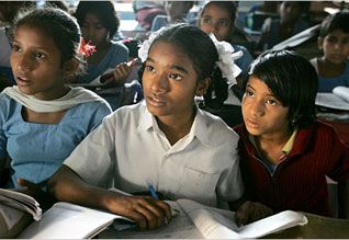 """கல்வி வளர்ச்சியில் தென் மாநிலங்கள் """"சூப்பர்'"""