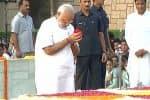 மகாத்மா நினைவிடத்தில் மோடி உள்ளிட்ட தலைவர்கள் அஞ்சலி
