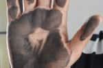 பாதிப்பு!குடியிருப்புகளில் படரும் கறுப்பு துகளால்...ஆண்டாண்டு காலமாக தொடரும் பிரச்னை..நிரந்தர தீர்வு வேண்டி மக்கள் கோரிக்கை