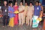 நடராஜர் கோவில் துப்புரவு பணி தொழிலாளர்களுக்கு இனிப்பு வழங்கல்