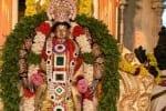 கோவிலில் இராப்பத்து உற்சவம் சிறப்பு அலங்காரத்தில் நம்பெருமாள்