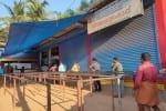 உலக சுகாதார அமைப்பின் அறிவுரைப்படி வாழும் கேரள 'குடி'மகன்கள்: வைரலாகும் படங்கள்