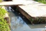 நகராட்சியில் 'நோய்கள் இலவசம்': தேங்கும் கழிவுநீரால் பாதிப்பு