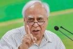 கொரோனா இருவேறு இந்தியாவை உருவாக்கி உள்ளது: கபில் சிபில்