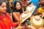 '37 % இந்திய பெண்கள் தங்கநகைகளை வாங்கியதில்லையாம்'