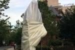 அமெரிக்காவில் இந்திய தூதரகத்தில் காந்தி சிலை அவமதிப்பு