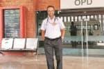 98 நாட்கள் தொடர்ச்சியாக பணியாற்றிய டாக்டர்: பொது மக்கள் பாராட்டு