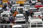 சென்னையில் மக்கள் ஓடத்துவங்கினர்; சாலைகளில் வாகனங்கள் வேகம்