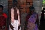 ரூ.35,000 மதிப்பிலான பழைய ரூபாய் நோட்டுகளை புதைத்து வைத்த பரிதாப தாய்