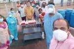 கொரோனா பாதித்த வாலிபர் பிறந்த நாள் கொண்டாட்டம்