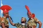 பார்வையாளர்கள் இல்லாமல் நடந்து முடிந்த அட்டாரி  சுதந்திரதின விழா