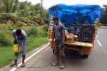 விரிவுபடுத்திய சாலைகளில் 'ரிப்ளெக்டர்கள்' அமைப்பு
