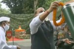 ஆயுதங்களுக்கு சாஸ்திரா பூஜை  செய்தார் ராஜ்நாத்