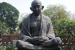 இடம் மாறும் மஹாத்மா காந்தி சிலை
