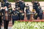 இந்தியா- பாக்., போர்   வெற்றிதினம்: போர் நினைவிடத்தில் பிரதமர் மரியாதை