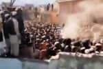 பாக்., இந்துகோவில் இடிப்பு வழக்கு; 12 போலீசார் இடைக்காலப் பணிநீக்கம்