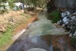 பரபரப்பு ! சிப்காட்டில் திடீரென ரசாயன கழிவு நீர் வெளியேறியதால்....மூச்சுத்திணறல், வாந்தி ஏற்படுவதாக கிராம மக்கள் புகார்