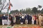 அயோத்தியில் தேசிய கொடி ஏற்றி  மசூதி கட்டும் பணி துவங்கியது
