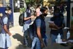 பள்ளிக்கூடம் போகாமலே... பாடமும் படிக்காமலே: மாணவர்கள் குஷி; கல்வியாளர்கள் அச்சம்