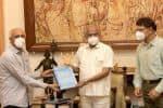 வி.ஐ.பி.,க்கள் கடிதம் கவர்னரிடம் ஒப்படைப்பு