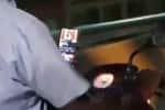 மொபைல்போனில் நாடகம் பார்த்த படி பைக் ஓட்டிய நபர் * சமூக வலைதளங்களில் வைரலாகும் வீடியோ