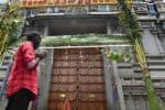 அடிவாரத்தில் வழிபட்டு சென்ற  கோவை  பக்தர்கள்