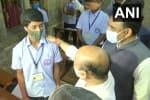 கர்நாடகாவில் பள்ளிகள் திறப்பு: மாணவர்களுடன் உரையாடிய முதல்வர்