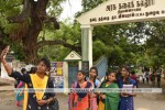 தமிழகத்தில் பள்ளி, கல்லூரிகள் திறப்பு: மாணவர்கள் உற்சாகம்