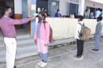 நீலகிரியில் 219 பள்ளிகள் திறப்பு    ஆர்வத்துடன் வந்த மாணவர்கள்