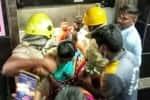 அரசு மருத்துவமனையில் அதிக பாரத்தால் திணறிய 'லிப்ட்' ;  13 பேர் பத்திரமாக மீட்பு