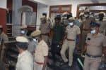 வக்கீல் மீது தாக்குதல் திருப்பூரில் 4 பேர் சரண்