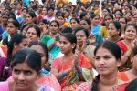 அரசுப் பணிகளில் பெண்களுக்கு 40%  இடஒதுக்கீடு: வரவேற்பும் எதிர்ப்பும்!