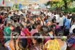 தேர்தல் பிரசாரத்தில் சமூக இடைவெளி கடைபிடிக்காததால் கொரோனா தொற்று பரவும் அபாயம்