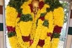 காந்தி சிலை காலடியில்  மனு வைத்த சங்கத்தினர்
