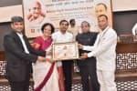 புதுச்சேரி டாக்டர் நளினிக்கு மஹாத்மா காந்தி சர்வதேச அமைதி விருது