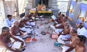 ஒலக்கூர் ஆஞ்சநேயர் கோவிலில் நாலாயிர திவ்ய பிரபந்த சேவை