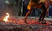 கோயில்களில் தீ மிதி திருவிழா நடப்பது ஏன்?