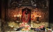 திருநள்ளாறு சனீஸ்வரன் கோவிலில் அபிஷேக ஆராதனை